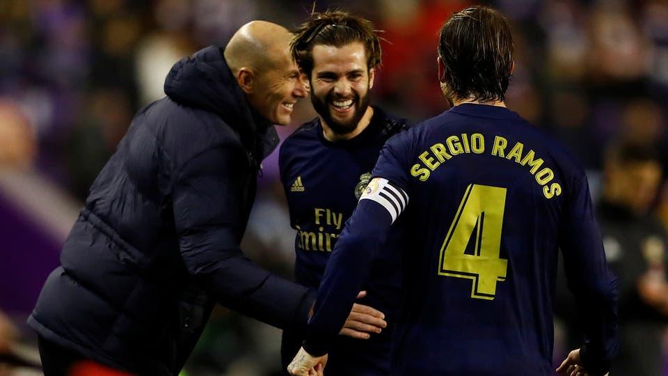 زيدان مدرب ريال مدريد مع ناتشو وراموس