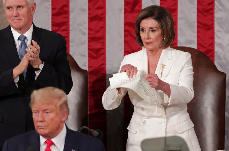 بيلوسي تمزق خطاب ترامب