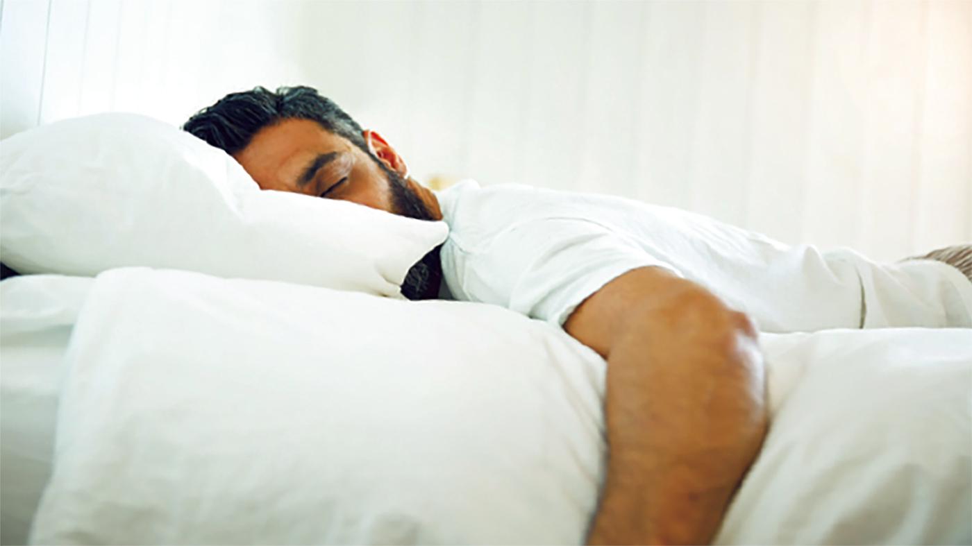 النوم على البطن