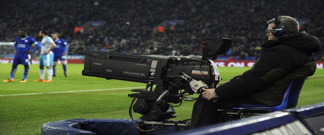 بث تليفزيوني - كرة القدم